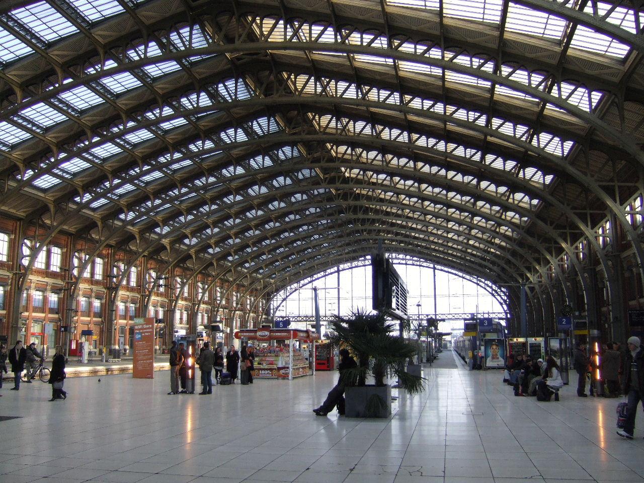 Gare lille for Garage de la gare bretigny