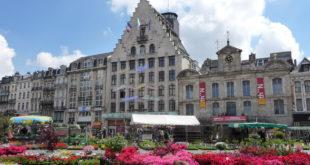 Le marché aux fleurs sur la Grand'Place de Lille du 24 au 27 avril 2013