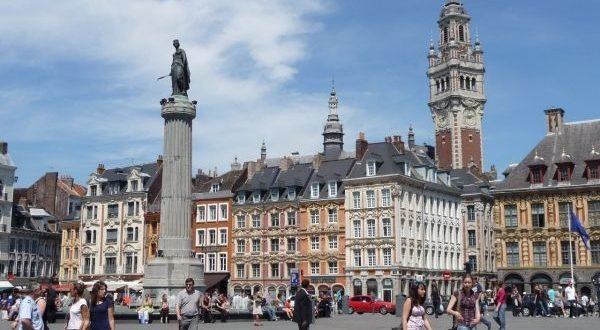 RETRO 2011 : la Grand'Place de Lille devient une zone de rencontre