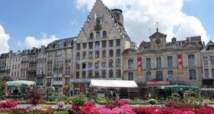 Le marché aux fleurs sur la Grand'Place de Lille du 30 avril au 03 mai 2014