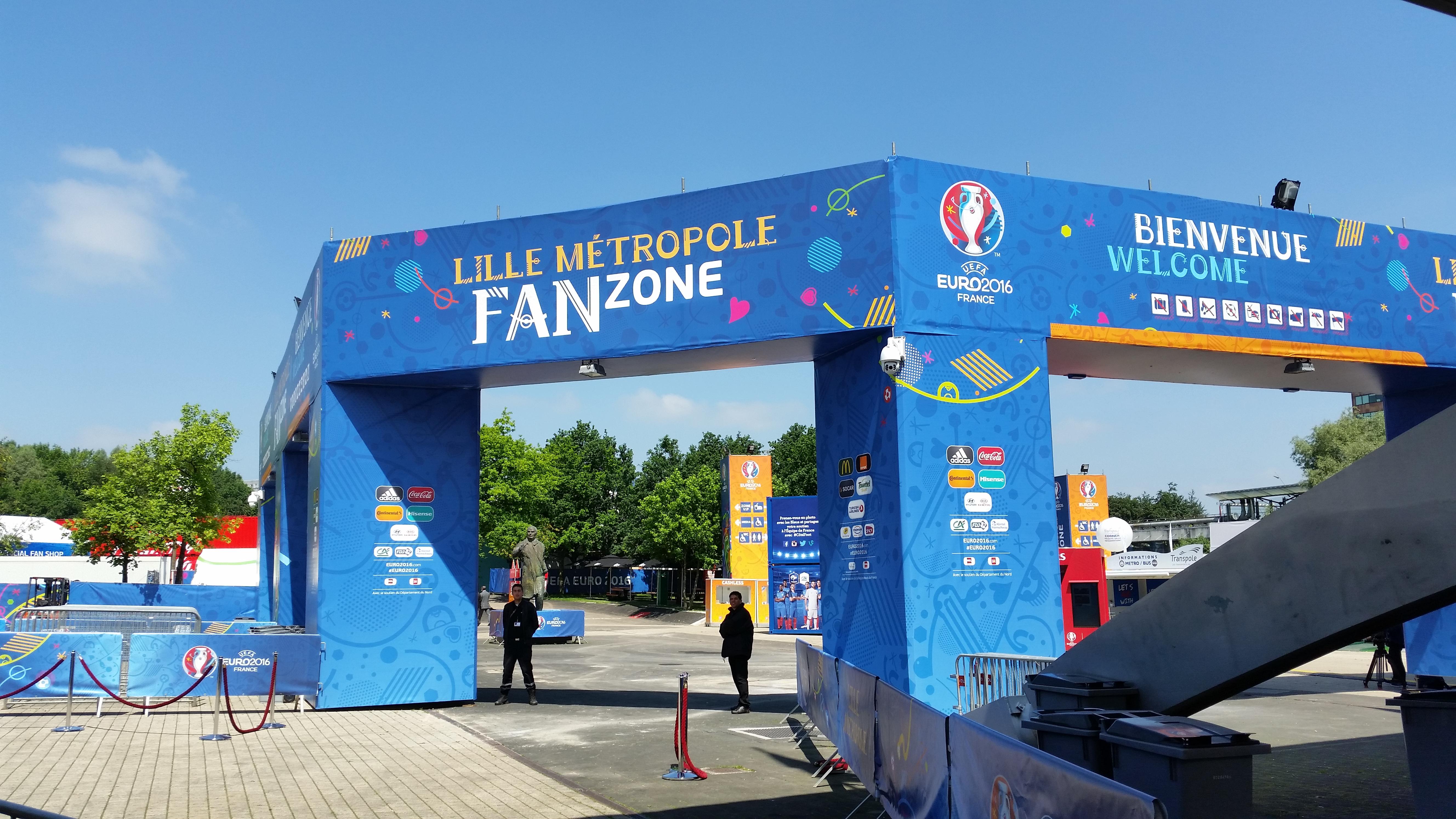 Euro 2016 inauguration et visite de la fan zone lille m tropole zoom sur - Metro lille braderie ...
