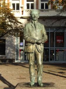 statue_19_20090221_1076871123