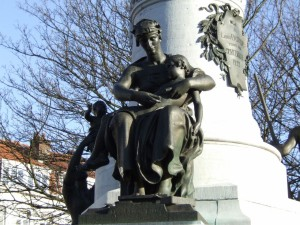 statue_22_20090221_1518011154