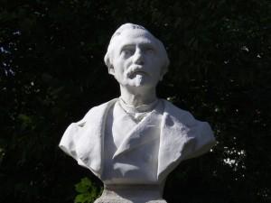 statue_32_20090221_1761677497