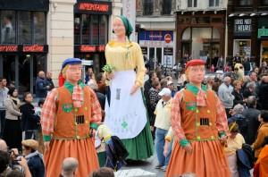 parade_geants2015_103
