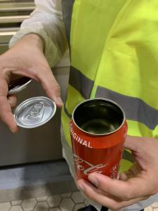 Assemblage d'une canette de Coca-Cola